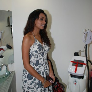 TV-Actress-Reshmi-Ghosh-@-Prettislim-Clinic