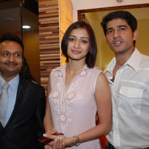 TV-Celebrities-Hiten-&-Gauri-Tejwani-at-Prettislim-Clinic