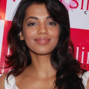 Smilling Pretty Mugdha Godase @ Prettislim Clinic